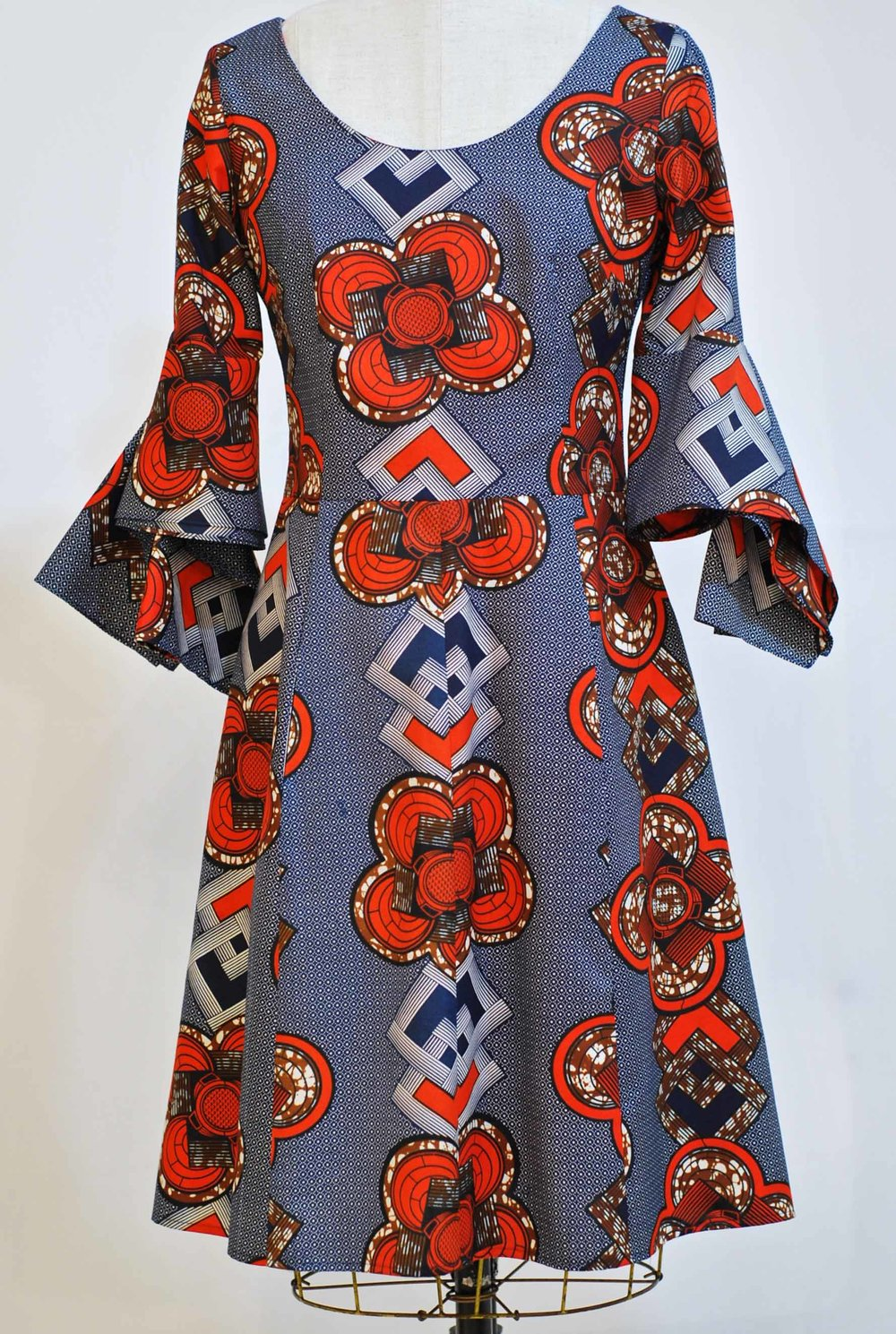 "Kimono Sleeve Dress  -  sz  6-8  waist 30""  bust 34""  - was  $575  now  $375  polyester   machine washable"