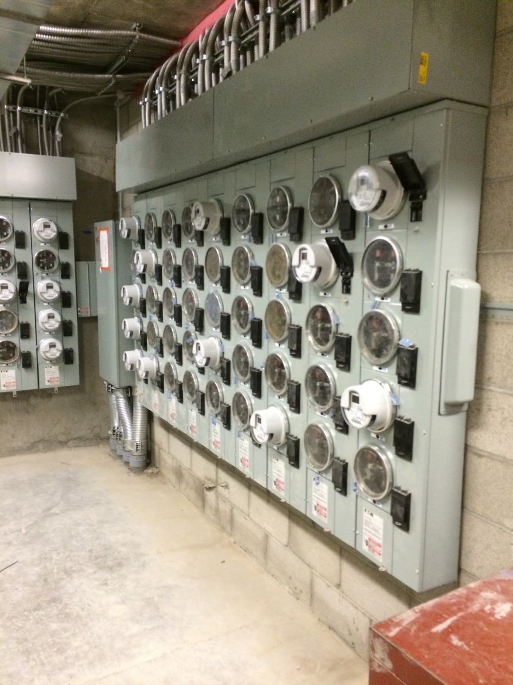 multi_family_electrical_room_switch_gear
