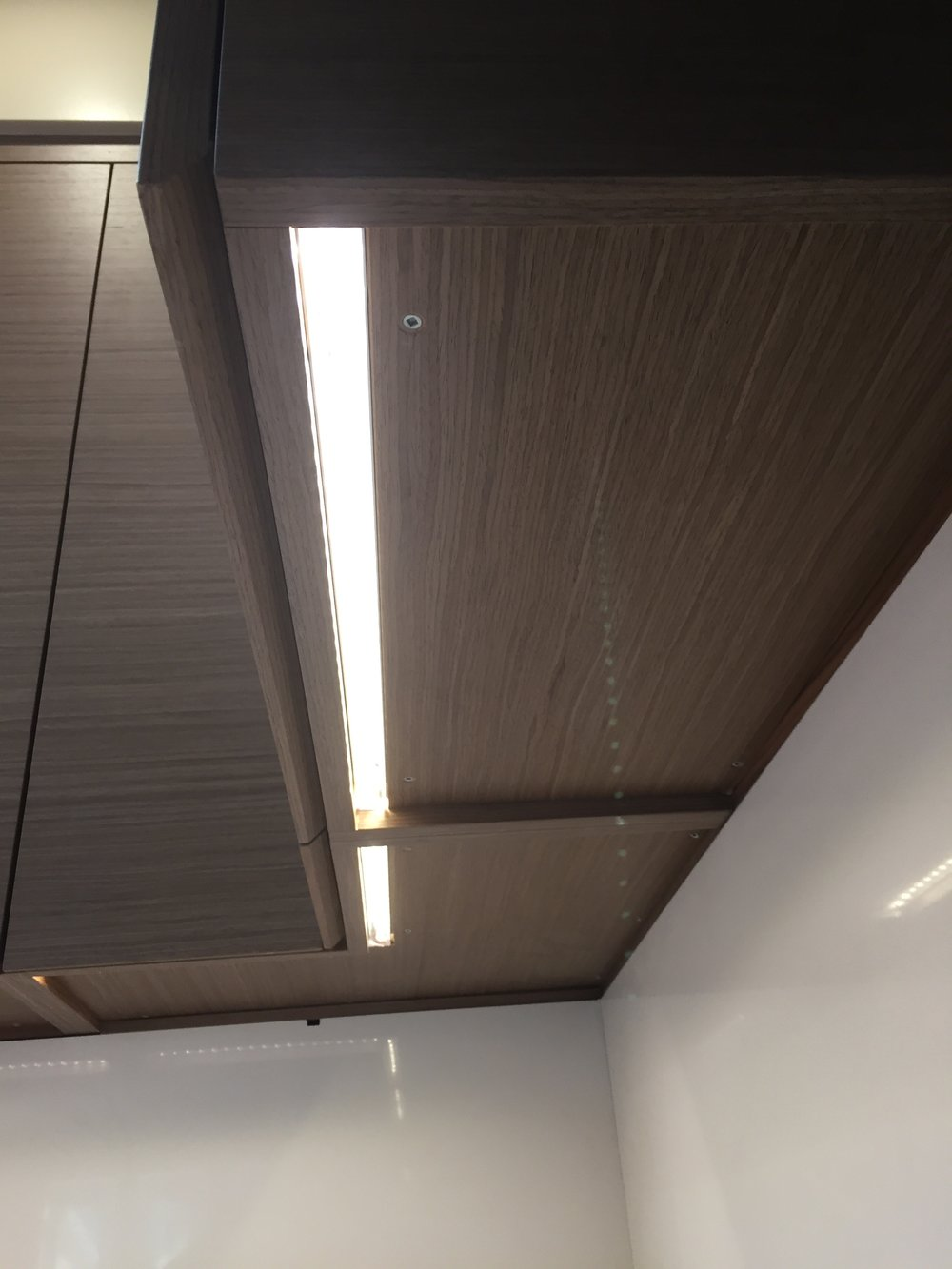 UC_under_cabinet_light