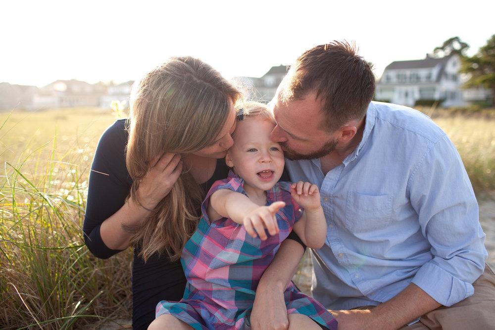 maine-family-photography-pine-point- beach-16.jpg