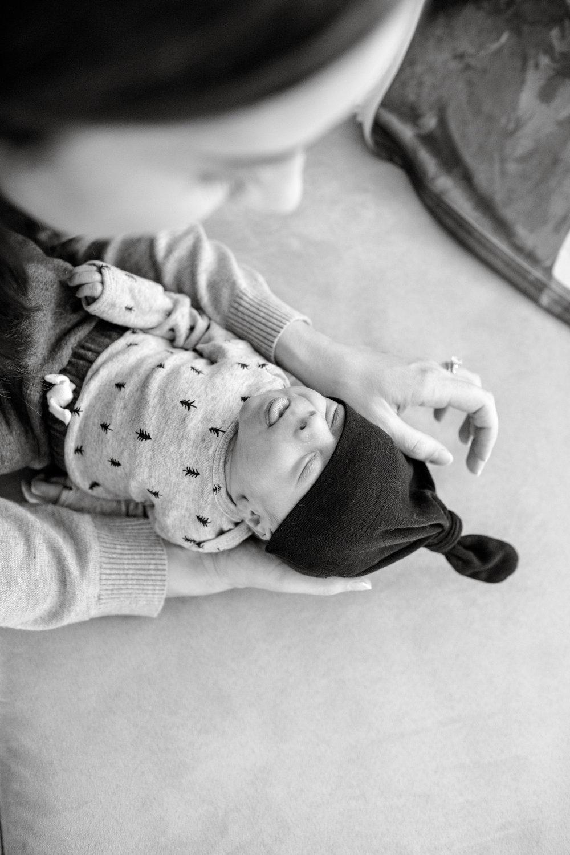 maine-newborn-lifestyle-photographer-5.jpg