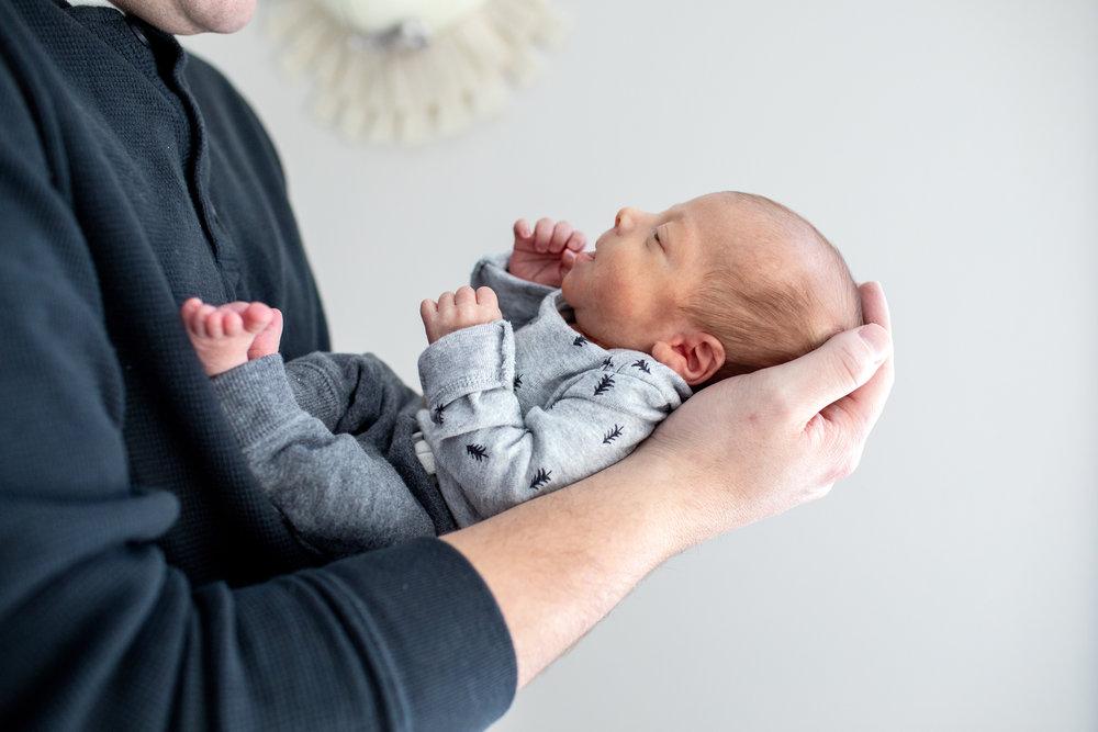 maine-newborn-lifestyle-photographer-25.jpg