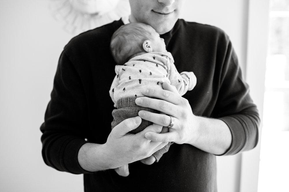 maine-newborn-lifestyle-photographer-30.jpg