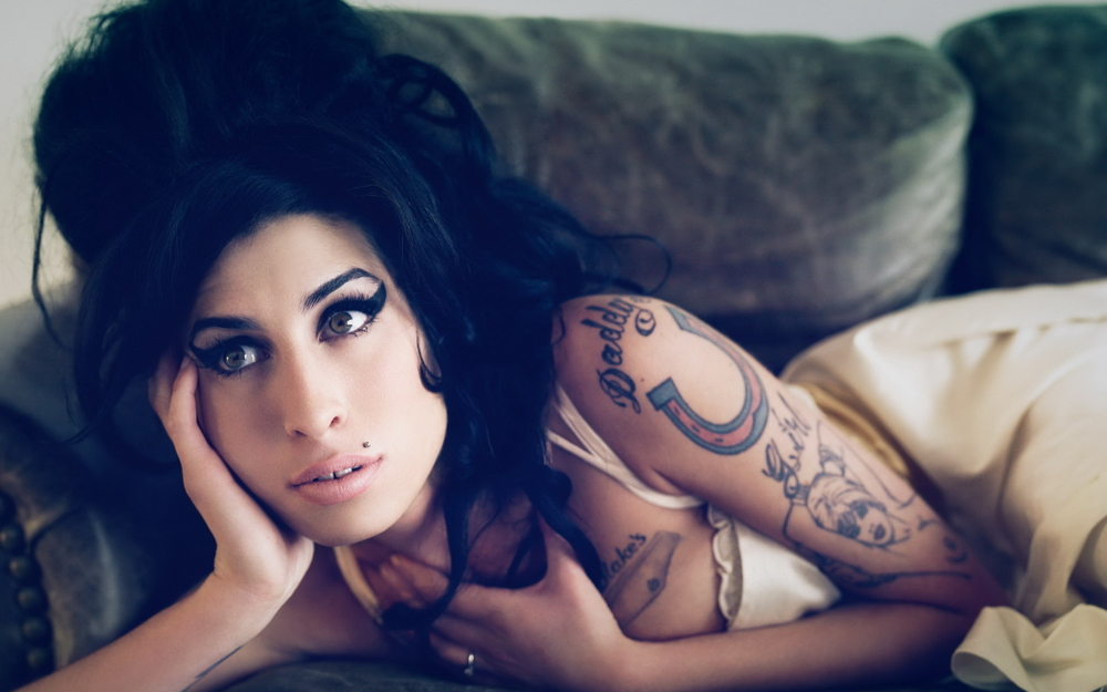 Music_Amy_Winehouse_Amy_Winehouse_031096_.jpg