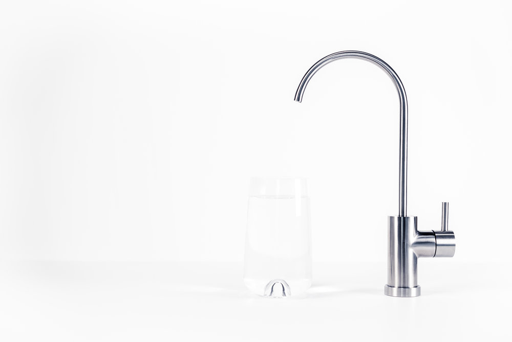 Smart & Elegant FaucetSaving You Energy.  - The system is activated the moment you turn on the faucet. This saves you valuable energy, unlike traditional UV lamps that always have to be on.