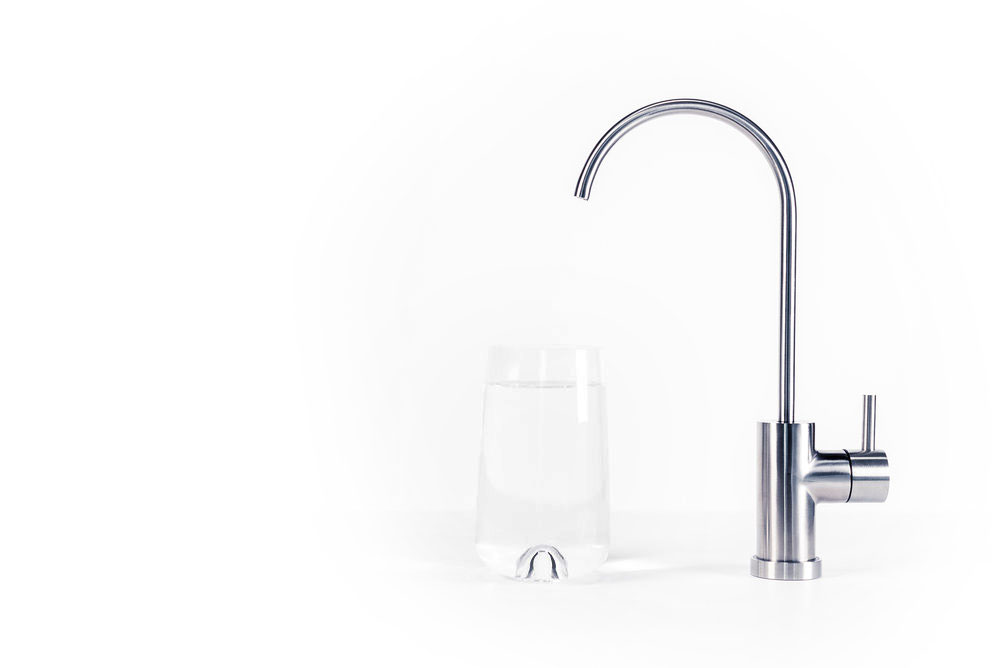 Smart & Elegant Faucet thatSaves You Energy - The system is activated the moment you turn on the faucet. This saves you valuable energy, unlike traditional UV lamps that always have to be on.
