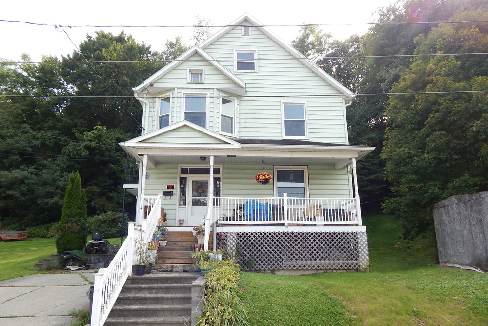 140 BLOUGH STREET JOHNSTOWN, PA LIVE/ONLINE AUCTION THURSDAY, OCTOBER 19 @ 5