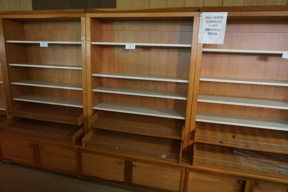 SOLD - RETAIL SHELVING AUCTION SOMERSET, PA