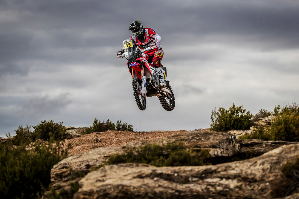 Michael Metge and the CRF450 RALLY 2.jpg