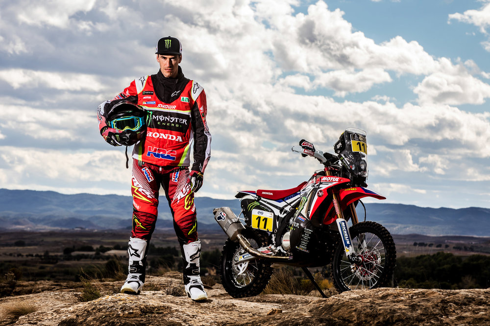 Joan Barreda and the CRF450 RALLY.jpg