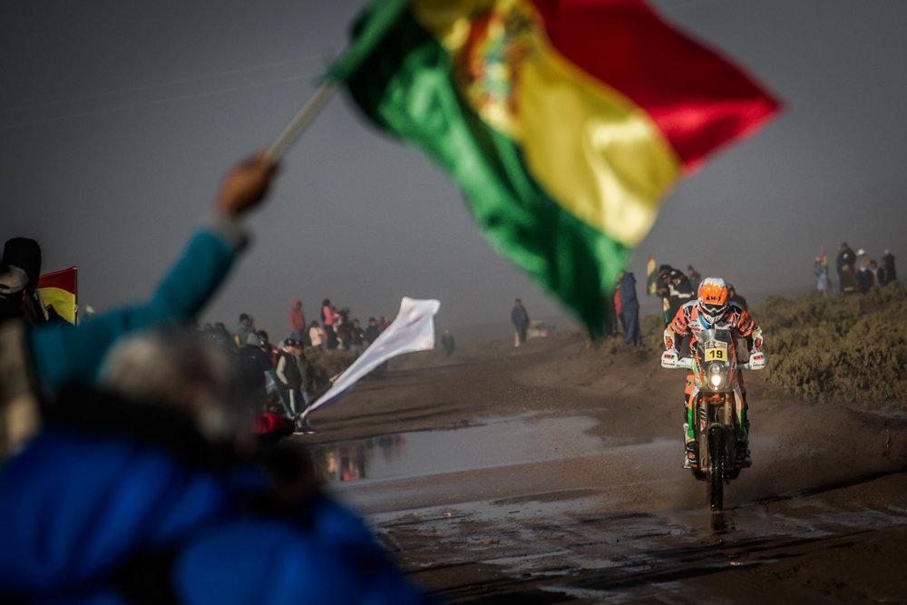 Laia Sanz KTM 450 RALLY Dakar 2017.jpg