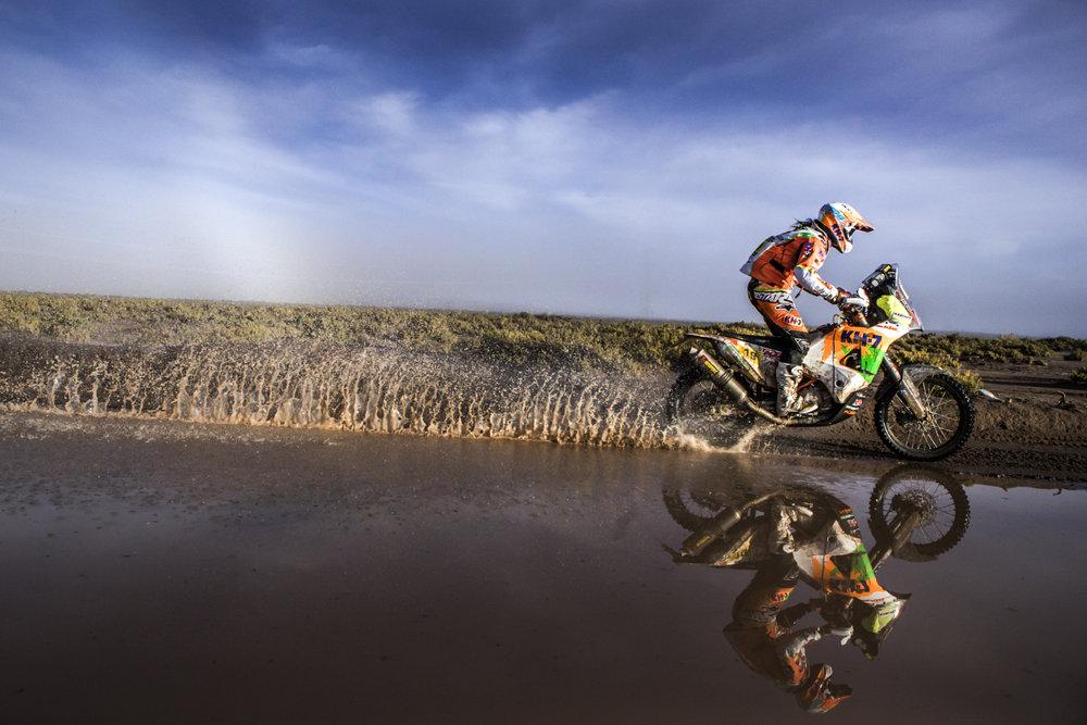 Laia Sanz KTM 450 RALLY Dakar 2017-1.jpg
