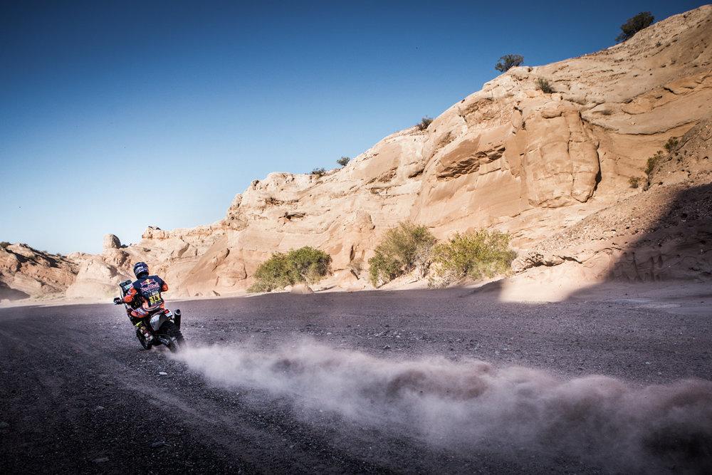 Sam Sunderland KTM 450 RALLY Dakar 2017-2.jpg