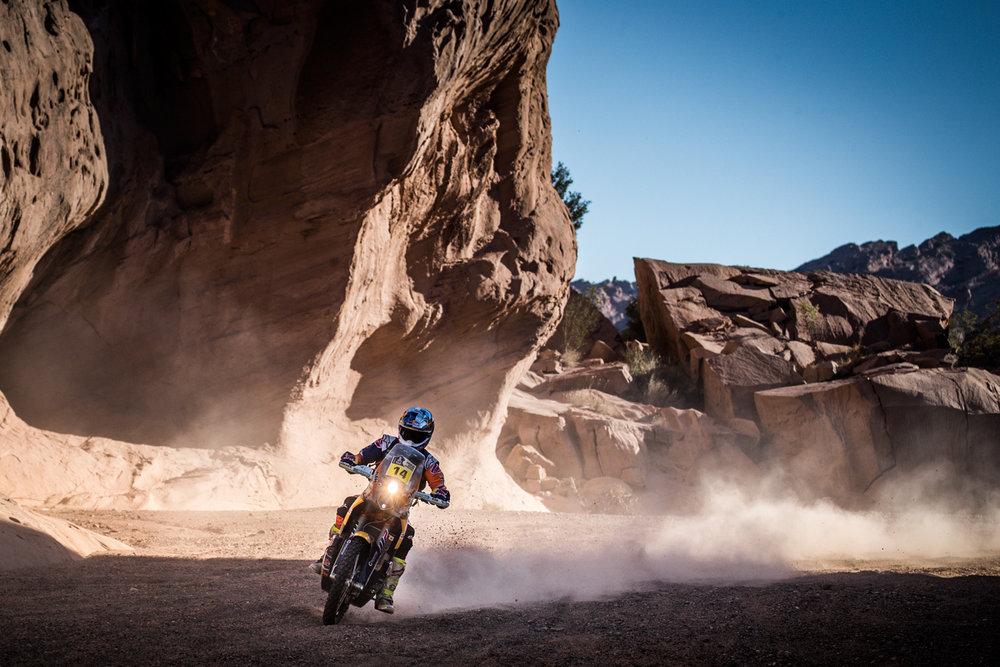 Sam Sunderland KTM 450 RALLY Dakar 2017-1.jpg