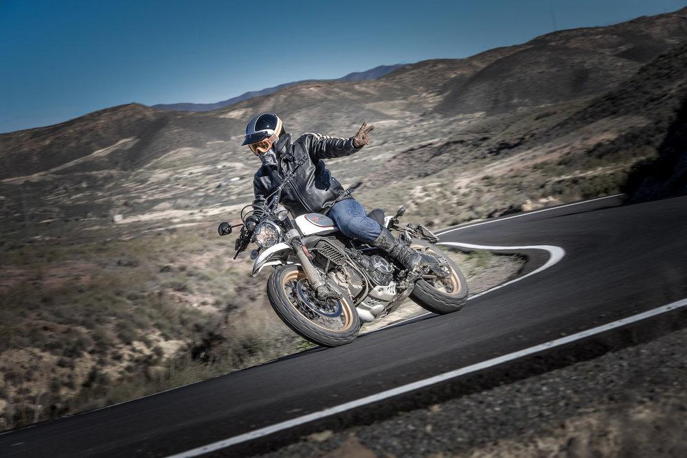 DesertSledJan16-DucatiPhoto-0004.JPG