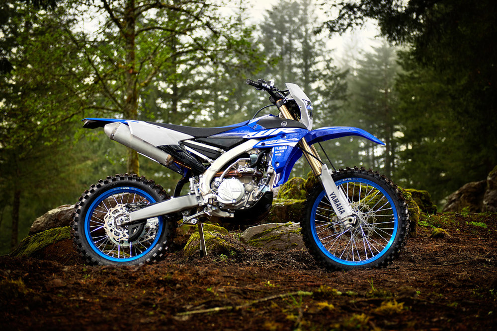 18_WR450F_Team Yamaha Blue_Beauty01_0024.jpg