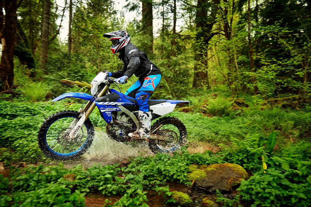 18_WR450F_Team Yamaha Blue_Action03_0004.jpg