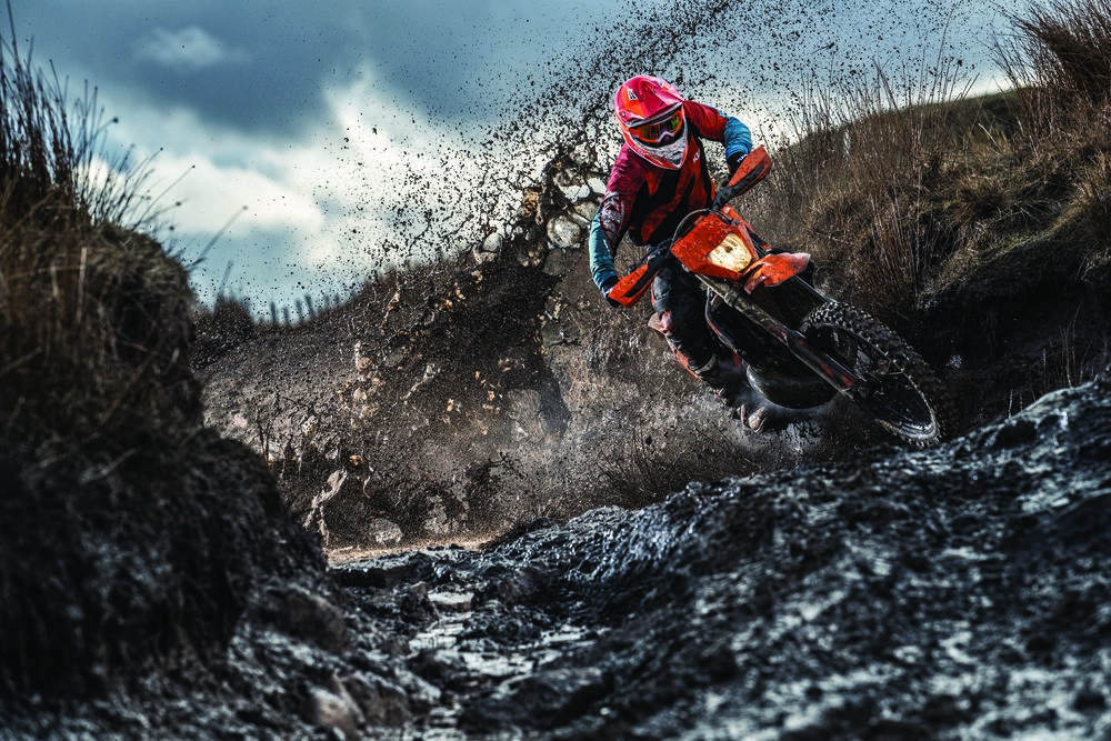 Action_KTM 300 EXC TPI MY2019_02.jpg