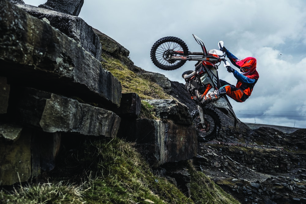Action_KTM 300 EXC TPI SIX DAYS MY2019_03.jpg