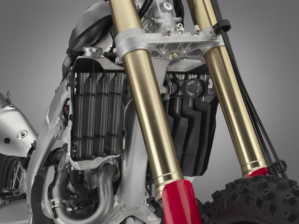 19 Honda CRF450X_radiator.jpg