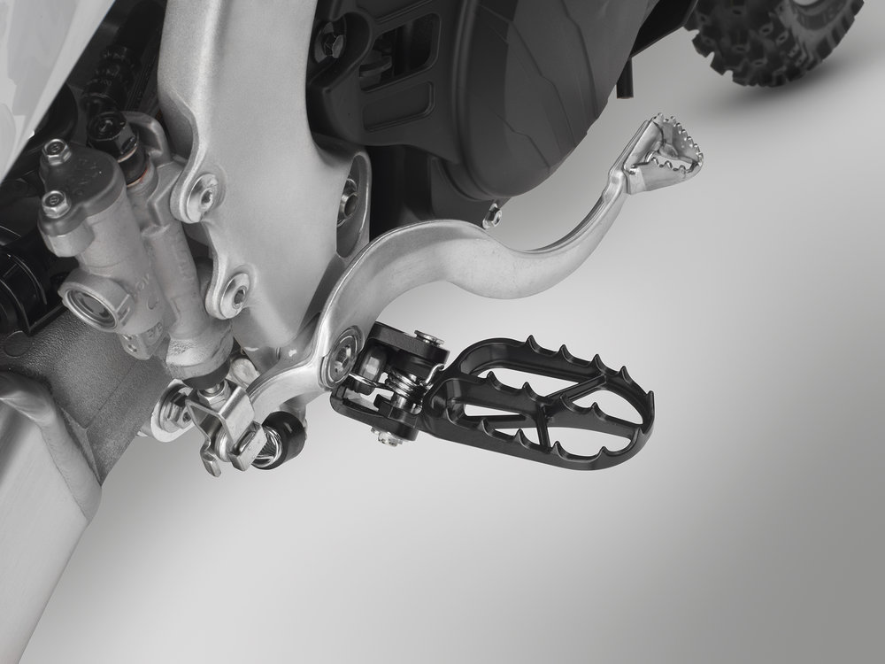 19 Honda CRF450X_footpeg.jpg