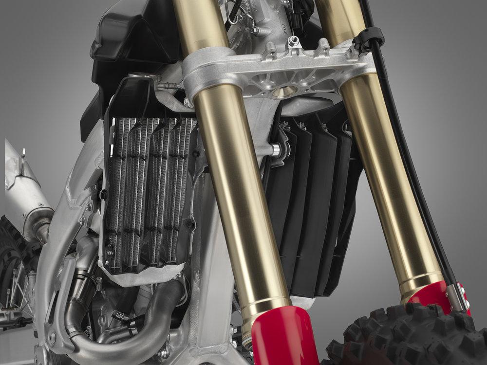 19 Honda CRF450RX_radiator.jpg