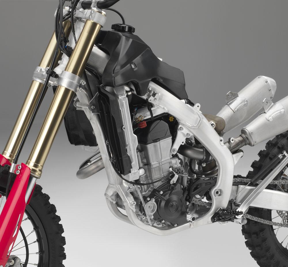 19 Honda CRF450RX_frame left.jpg