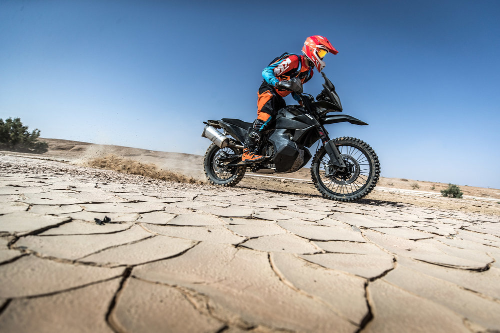 KTM Ultimate Race_790 ADVENTURE R_05.jpg