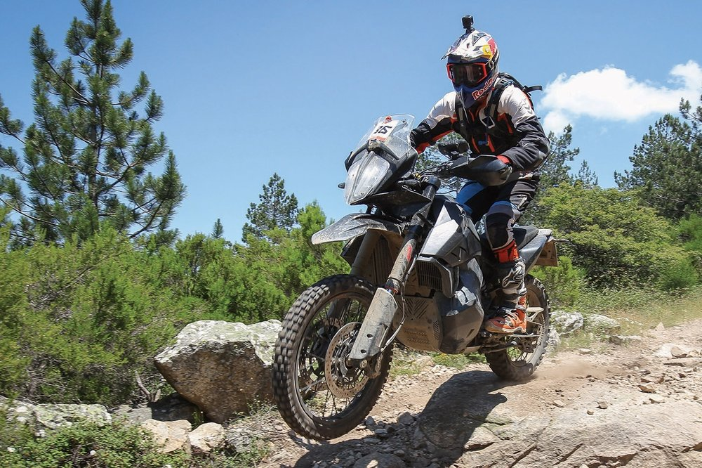 KTM+790+ADVENTURE+R+P2+in+action.jpg