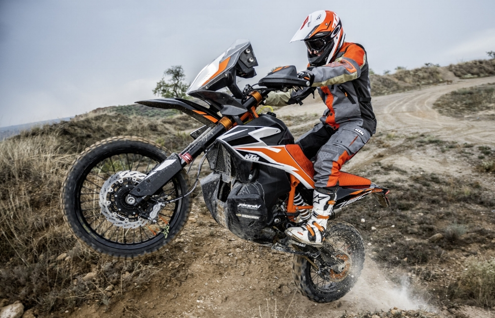 211916_KTM+790+ADVENTURE+R+Prototype.jpg
