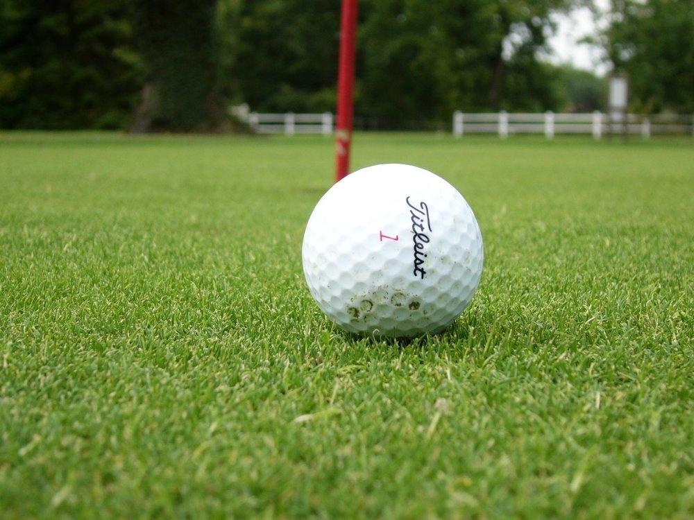 golf-ball-1507808.jpg