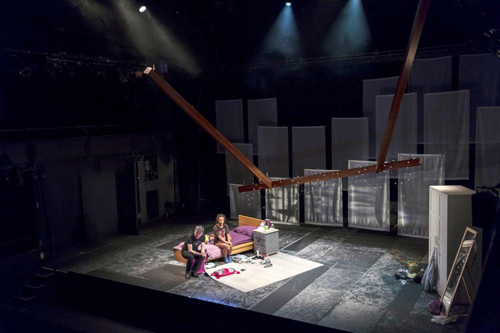 National+Theatre-New+Views-+Dead+Don't+Floss_Dan+Weill+Photography-8.jpg