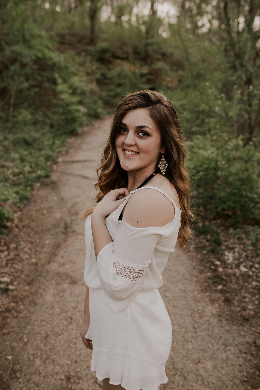 Haley-Senior-Session-Kansas-City-Jesse-Salter-Photography.jpg