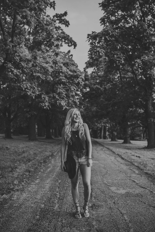Alex-Lesniak-Senior-Photography-Session-jessesalter.photography-9.jpg