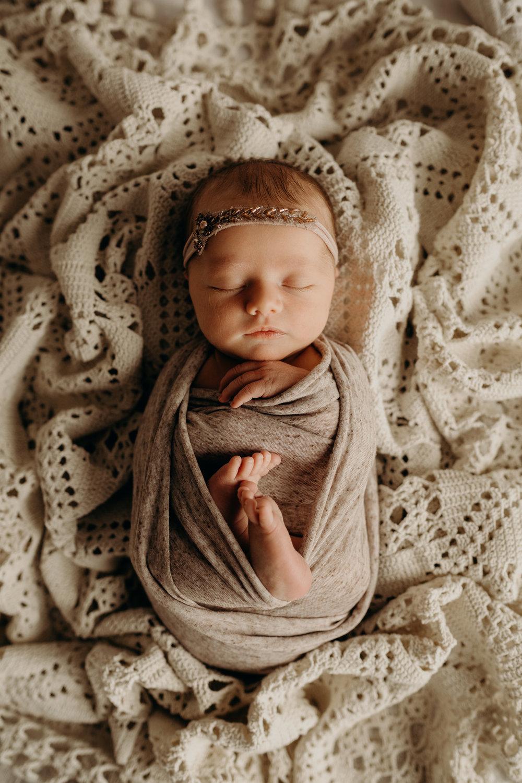 Camryn-Studio-Newborn-Session-2018-Kansas-City-MO-Jesse-Salter-Photography-22.jpg