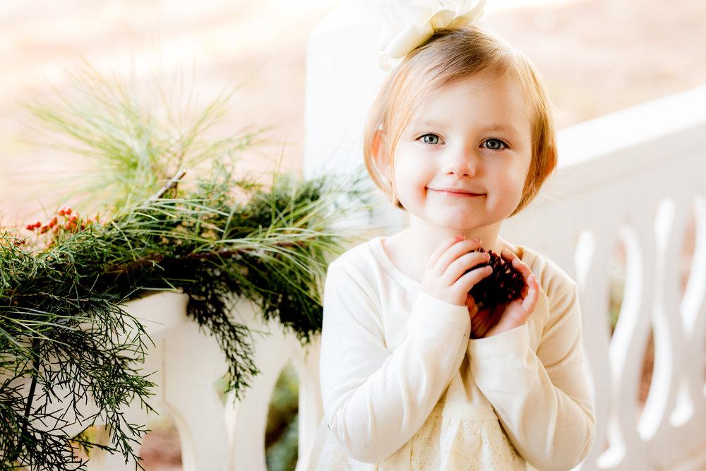 ChristinaPazPhotography_2017 Christmas Mini's _ Mcdonald Christmas Minis 2017_29.jpg