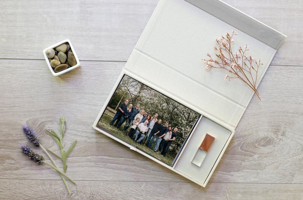 Cream Linen Photo Box_with usb.jpg