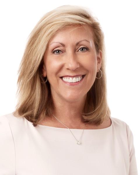 <b>Suzanne Miglucci</b><br>CEO, Charles & Colvard