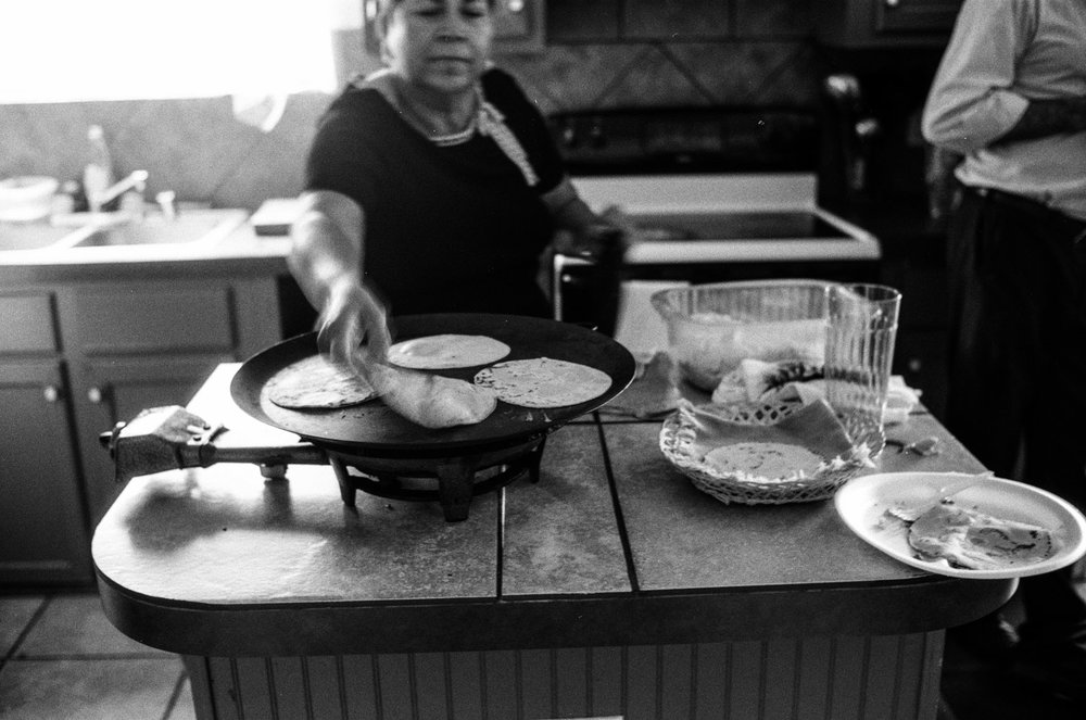 chela_making_tortillas_1.jpg