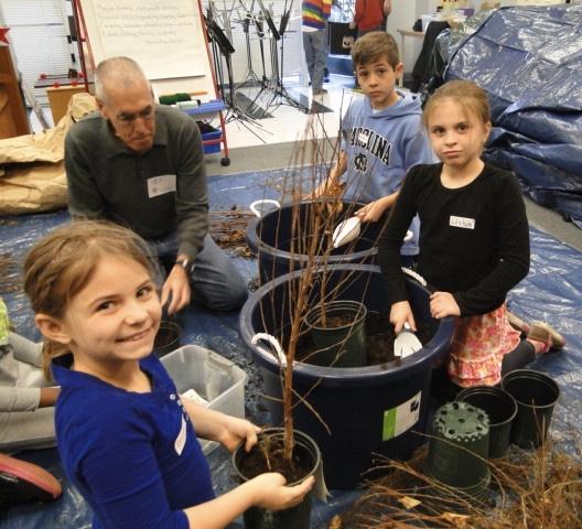 2013 Joyner Science Go Round Tree Giveaway