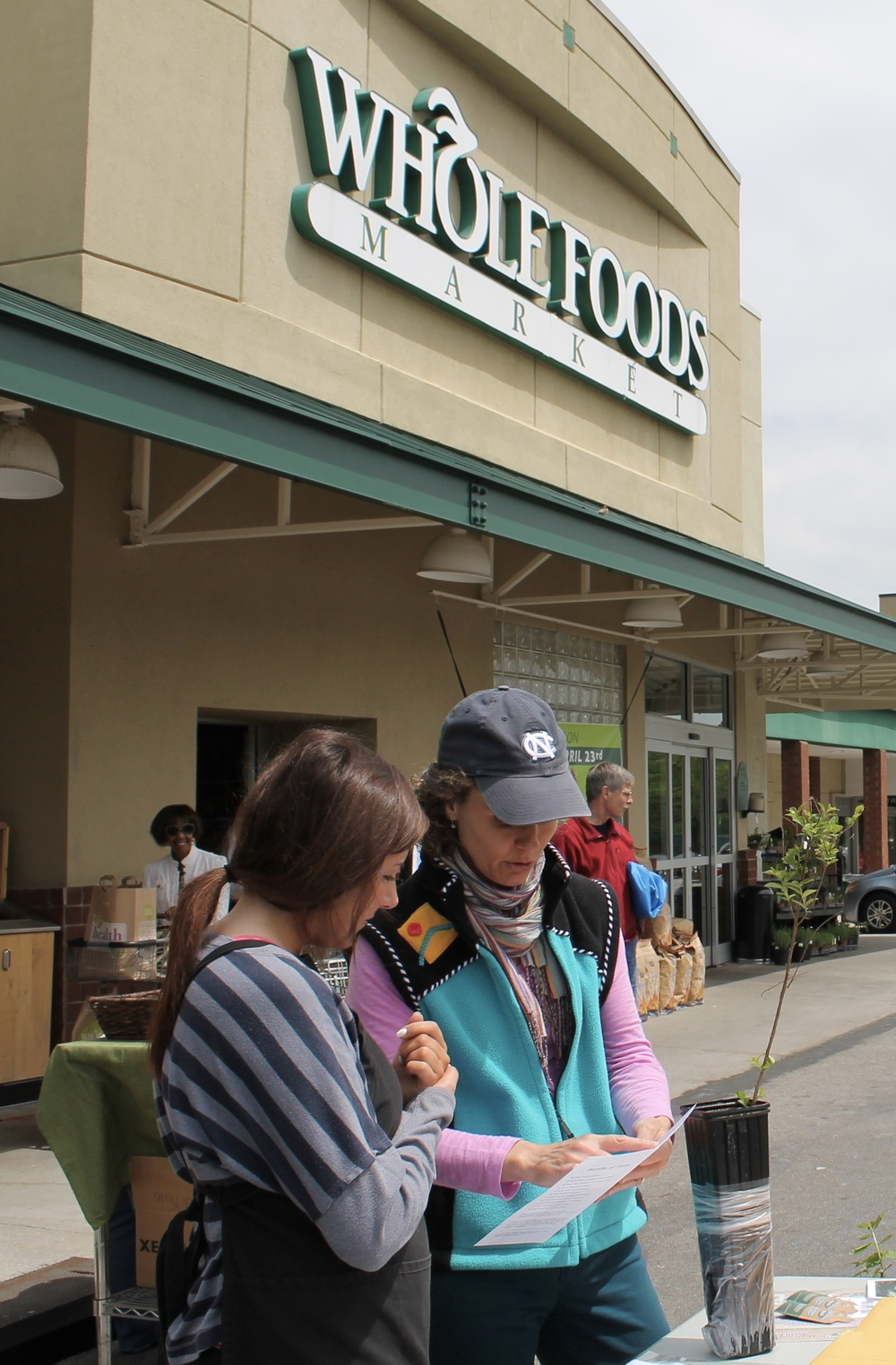 2013 Whole Foods Raleigh Earth Day Tree Giveaway