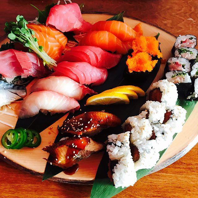 Sushi is always good idea😽🍣🍣🍣#longbeach #sushi #sasimi#food#foodie#marumakisushi #chef#amazing#roll#fish#fresh#yummy#lunch#dinner