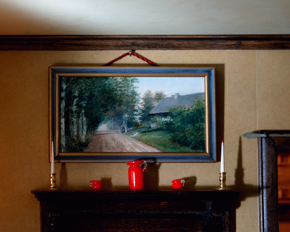 Living Room (mantle)
