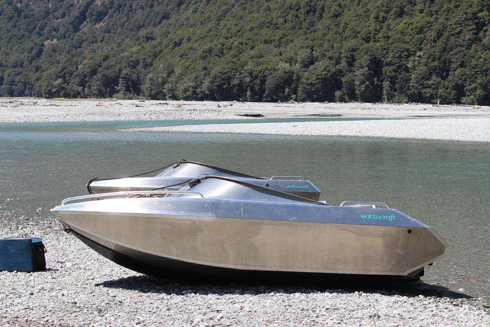 3m River jet boat