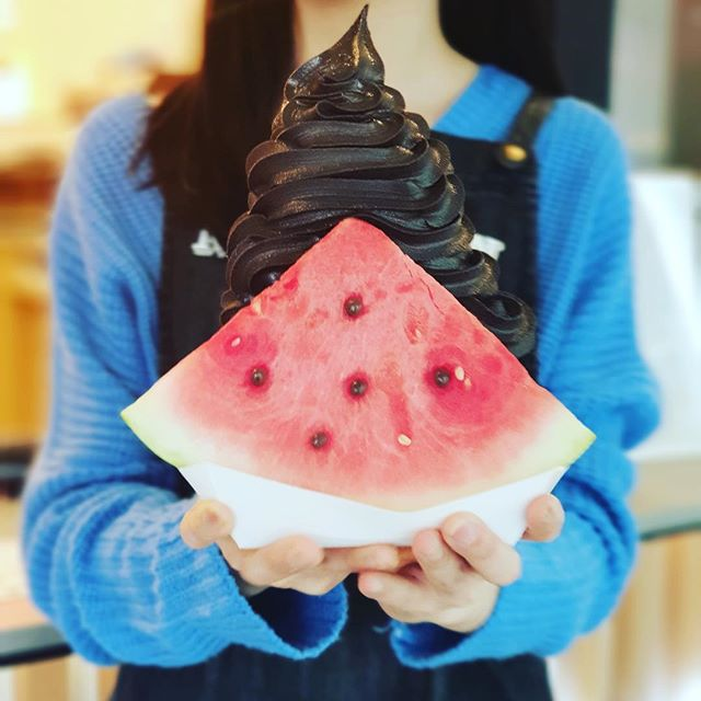 Halloween is just around the corner 🎃 Come and try our new Activated Charcoal Choc flavour in our Watermelon Sandwich @milkcowau