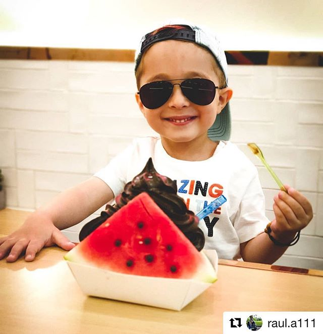 Our watermelon sandwich with activated charcoal choc ice-cream will be ending soon. Come and try it @milkcowau before it's gone. 🍉🍦 Thanks @raul.a111 for the awesome snap. . . . 📷: @raul.a111