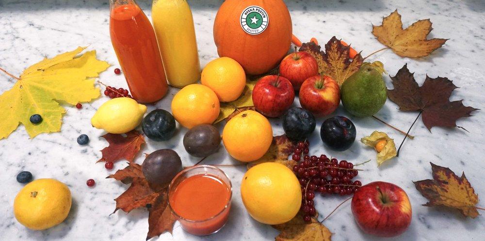 Välj bland apelsiner, vinbär, äpplen, plommon, morötter och clementiner.
