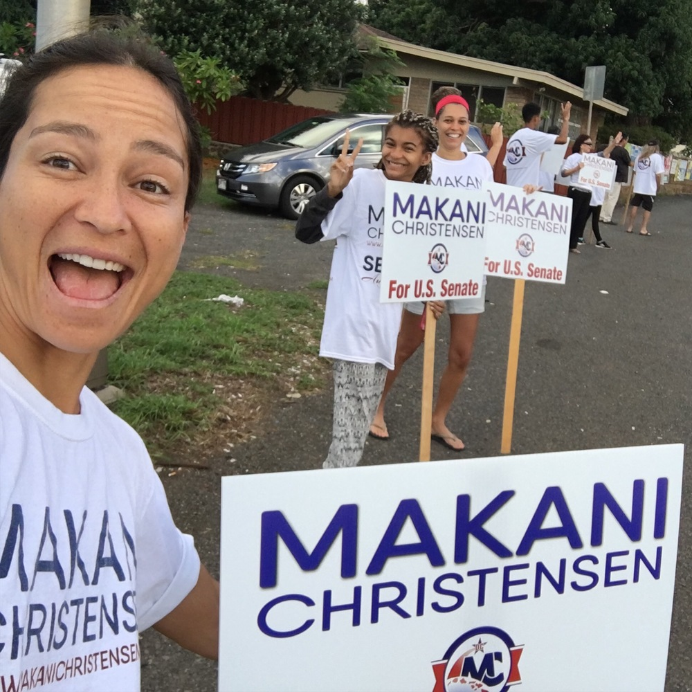 Sign Waving Pearl City.JPG
