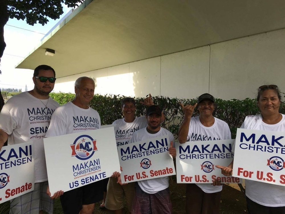 sign wavers kaneohe2.JPG
