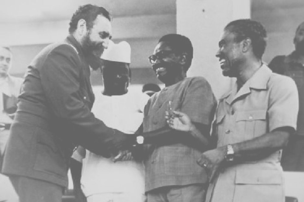 castro-with-angolan-revolutionary-leaders.jpg
